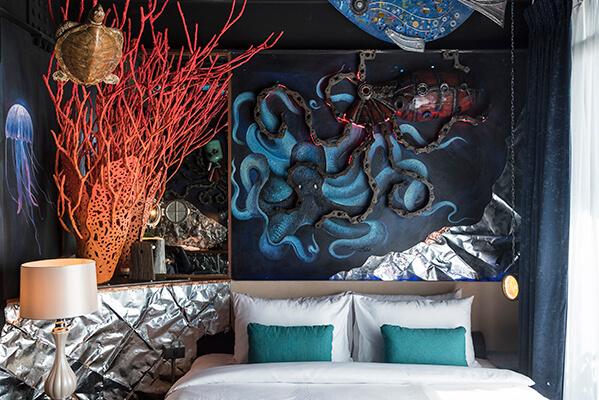 Deep ocean room